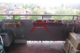 Av. Dubrava, trosobni stan 77 m2 5/10 kat, svakako pogledajte, Zagreb, Apartamento