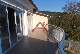 Ičići, zaleđe 153 m2 stana u roh-bau sa pogledom na more, Opatija - Okolica, Stan