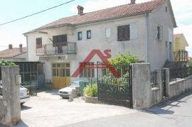 Samostojeća kuća na G. Zametu, Rijeka, Casa
