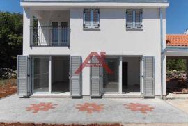 Otok Krk vikendica novogradnja za 180.000 €, Krk, Haus