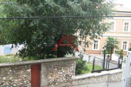 Potkrovlje od 100 m2 za 68.000 u Centru, Rijeka, Appartment