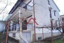 Srdoči, odlična nekretnina s tri stana, Rijeka, Σπίτι