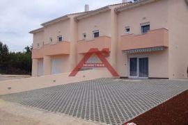 Krk, kuća u nizu 90 m2, Krk, Casa