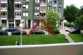 Zagreb,G.Dubrava,Poljanice,Trosobni stan 65,40m2, I kat, Zagreb, Apartamento
