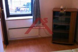 Belveder, 30 m2, 1S KL, prizemlje u vili, parkirno mjesto, 250 €/mj, Rijeka, Appartamento
