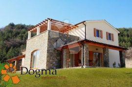 SREDIŠNJA ISTRA, MOTOVUN, okolica, prekrasna tradicionalna istarska kuća s bazenom, Motovun, Дом