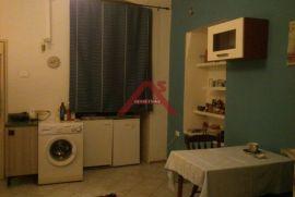 Centar, stana 50 m2, 1S+DB, za jednu ili dvije osobe, 250 €/mj, Rijeka, Wohnung