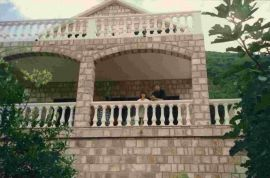 Kuca na prodaju, Kotor, Haus