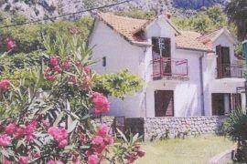 Kuća u Orahovcu kraj Kotora od 72 m2, Kotor, Casa