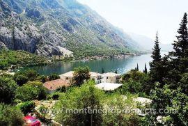 Prodajem kuću u Orahovcu kraj Kotora, Kotor, Casa