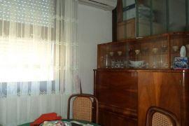 Prodajem stan u centru Budve, Budva, Stan