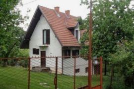prodajem kucu u Ripnju140, Beograd, Kuća