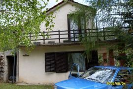 Vikendica, Pirot, Casa