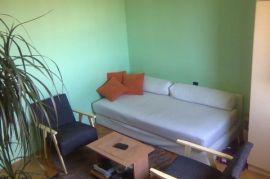 Trosoban stan na najboljoj lokaciji u Nisu, Niš, Stan