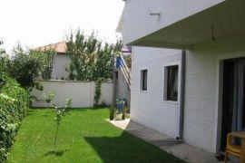 Nova kuća na Banjici, Beograd, Famiglia