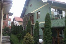 Prodajem kucu u najlepsem delu Novog Pazara, Novi Pazar, House