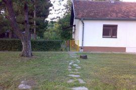 Na prodaju kuca u Kovilovu.., Beograd, Casa