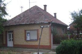 Prodaja Kuce, Čoka, House
