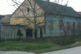 Povoljno prodajem kuću seosko domaćinstvo u selu Ilandza u Banatu, Pančevo, Дом