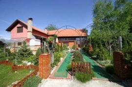 Zelena oaza, Novi Sad - grad, Immobili commerciali