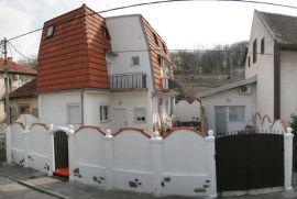 Kuca Zvezdara, Beograd, Haus