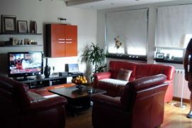 Izdajem stan, 125 m2, Autokomanda, Beograd, Wohnung