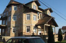 Kuca sa 3-zasebna stana + podrum 150m2, Novi Sad - grad, Kuća