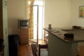 Petlovo Brdo, Oplenacka, Beograd, Stan