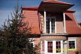 Porodična kuća, Beograd, Casa