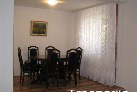 3.0 stan Miljakovacka suma 83m2 100m2 dvoriste, Beograd, Flat