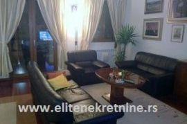 Izdajem stan u Beogradu DEDINJE, Beograd, Appartamento