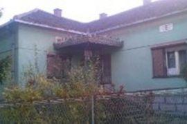 Kuća na prodaju u selu Maleševu blizu Golupca, Golubac, Casa