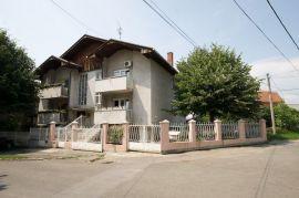 Beograd Banovo Brdo, Beograd, Haus