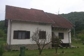 Prodajem Kucu 236mkv Gornji Milanovac, Gornji Milanovac, بيت