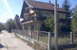 Kuća na Gradskom bedemu, Čačak, Ev