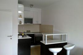 Prodajem stan u centru Novog Sada, Novi Sad - grad, Stan