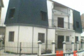 Kuća: Beograd, 240 m2, 135000 EUR, Beograd, House
