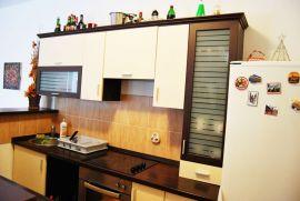 Garaža: Novi Sad, Novi Sad, 100 m2, 25 EUR, Novi Sad - grad, Daire