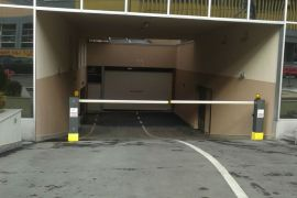 Izdaje se garaža na Juznom bulevaru, kod pekare Klas. Vracar.  60 EUR, Beograd, Garaža