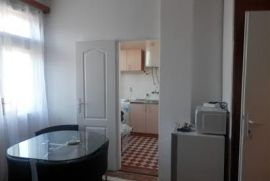Stan: Beograd, 30 m2, 300 EUR, Beograd, Apartamento