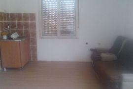 Kuća: Indjija, Indjija, 288 m2, 85000 EUR, Inđija, House